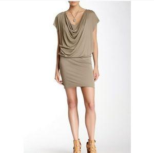 ALICE + OLIVIA base dress. Size XS